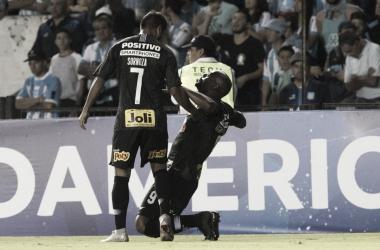 """Vagner Love revela sentimento após balançar as redes: """"Feliz de ter feito meu primeiro gol"""""""