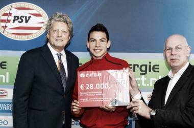 Hirving Lozano y Toon Gerbrands | Foto: Website Oficial PSV