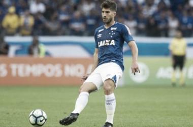 Meia passou por exame de imagem na quarta, mas não teve lesão detectada (Foto: Washington Alves/Light Press/Cruzeiro)