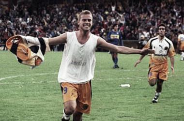 Aquella tarde, domingo 6 de julio de 2003, Lucho le hizo 5 a Boca (Foto: Olé).