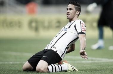 Luciano volta a treinar com Corinthians e está perto de retornar aos gramados