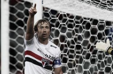 Lugano aceita proposta e renova com São Paulo