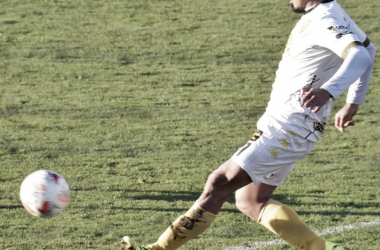 Luis Vila, autor del único gol del partido ante Atlético Rafaela