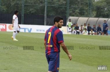 Luis Suárez disputando un partido amistoso con el Barcelona. Imagen: Iván Dacal (VAVEL España)