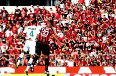 Atlético-PR vence o Goiás, conquista a terceira vitória seguida e se afasta do Z-4