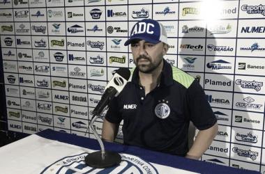 Habemus treinador: Confiança anuncia contratação de Luizinho Lopes