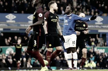 Las contras hunden al Manchester City