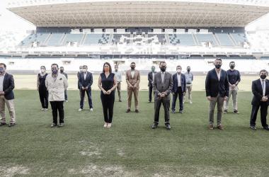 Foto de los asistentes en esta pasado Lunes a La Rosaleda en el II Foro del deporte de Málaga. / Foto: Málaga CF.