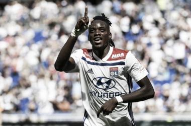 El Lyon pasa por encima del Amiens y suma los tres primeros puntos
