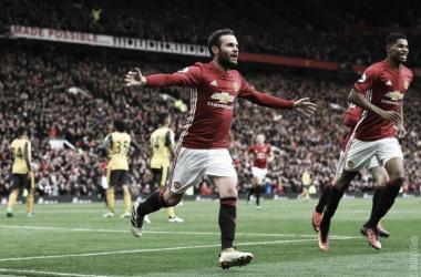 Manchester United e Arsenal empatam a uma bola | Fonte: Facebook Oficial Manchester United