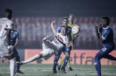 """Apesar de dois gols marcados, Pablo fala sobre eliminação do São Paulo: """"Vergonhoso"""""""