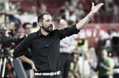 Pablo Machín dirigiendo uno de los encuentros en Nervión | Foto: Sevilla FC