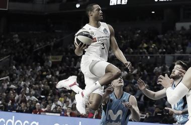Randolph elevándose en el aire /ACB.COM