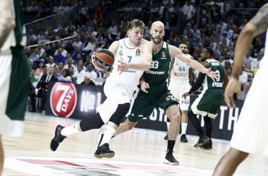 Luka Doncic y Nick Calathes. | Foto: euroleague.net
