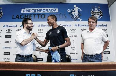 Substituto de Edilson, lateral Madson é apresentado oficialmente no Grêmio