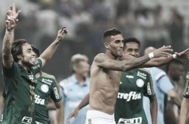 Valdivia comemora vitória sobre Corinthians e nega insatisfação com substituição