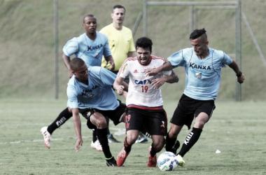 Arthur Maia fez um dos gols da partida em um bom toque na saída do goleiro (Foto: Gilvan de Souza / Flamengo)