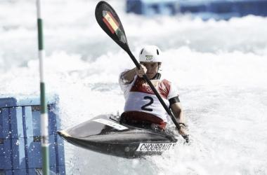 Maialen Chourraut afronta una de las puertas en la final Olímpica.   Foto: RTVE.