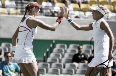 Russas celebram vitória/ Foto: ITF/ Divulgação