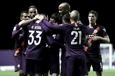 El Manchester City vence al humilde Oxford United