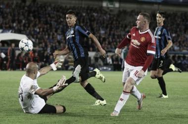 Rooney anota hat-trick e garante United na fase de grupos da UCL com goleada sobre Brugge