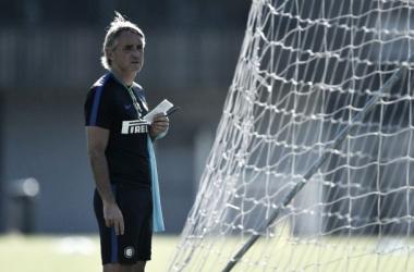 """Mancini nega negociação da Internazionale por Pirlo: """"Nunca falamos com ele"""""""