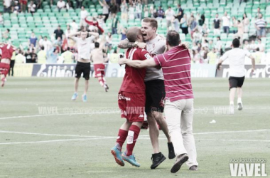 Mandi abandona el Sporting