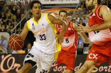 Imagen de un partido disputado entre Bàsquet Manresa y CB Valladolid. (Imagen: ACB Photo).