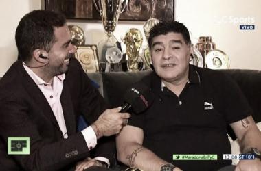 El Diego tuvo palabras de elogio para Tevez. Foto: La12 Tuittera