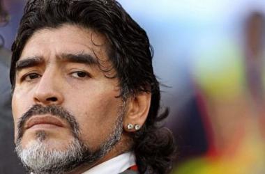 """Maradona: """"Blatter se lleva cuatro mil millones de dólares sin hacer nada"""""""