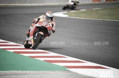 Marc Márquez se impone a las Ducati en Austria. | FOTO: Noelia Déniz VAVEL