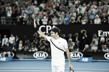 Após desistência de Chung, Federer avança e está na final do Australian Open