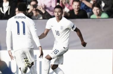 Lingard y Redmond celebran el gol de la victoria contra Suecia. Foto: FA.com