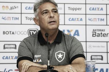 Marcos Paquetá busca equilíbrio na escalação do Botafogo na volta do Campeonato Brasileiro