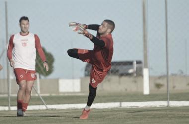 Goleiro do CRB, Edson Mardden espera intensidade do elenco nas partidas decisivas