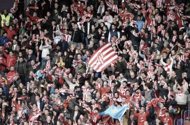 La afición del Sporting no deja de creer