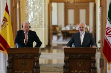 El ministro de Exteriores con su homólogo iraní en la rueda de prensa de este lunes   Fotografía: AFP