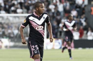 Sevilla oficializa contratação do lateral direito Mariano, ex-Fluminense