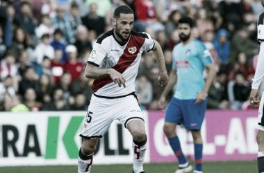 Mario Suárez lesionado, preocupa al Rayo Vallecano