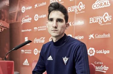 Mario Hernández en rueda de prensa | Foto: CD Mirandés