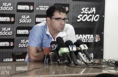 """""""Não é castigo. Raniel sabe que não tem condições de jogar"""", disse Marcelo Martelotte (Foto: Pedro Henrique/Vavel Brasil)"""