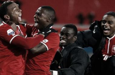 Com gol aos 49 do segundo tempo, Twente e Feyenoord ficam no empate