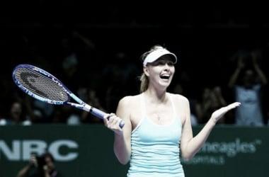 Sharapova acaricia las semifinales del WTA Finals