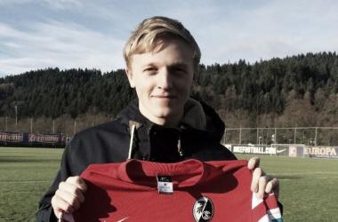 Mats Daehli é o novo jogador  do Freiburg (Foto: Divulgação/Freiburg)