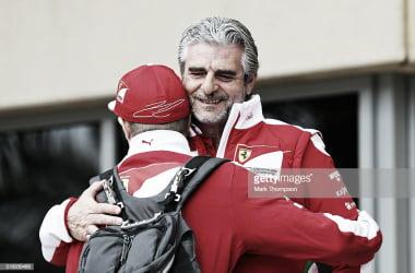 Abrazo entre Raikkonen y Arrivabene. | Foto: Getty Images
