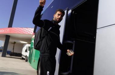 Maximiano antes de viajar esta mañana / Pepe Villoslada / Granada CF