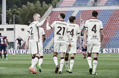 Roma vence Crotone com tranquilidade e garante vaga no G-4 da Serie A