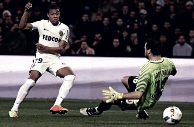 Ligue 1 - Prosegue la marcia del Monaco in vetta, Glik e Mbappe mettono pressione sul PSG
