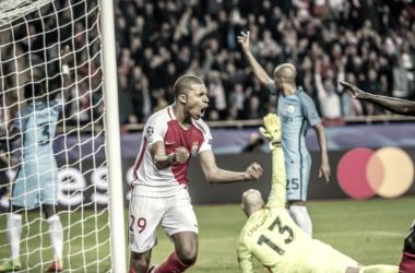 Emery diz para Mbappé rejeitar outras ofertas e fechar com PSG