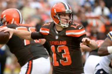 Josh McCown leads the Cleveland Browns against the Denver Broncos. Image courtesy Robert Hanashiro/USA TODAY